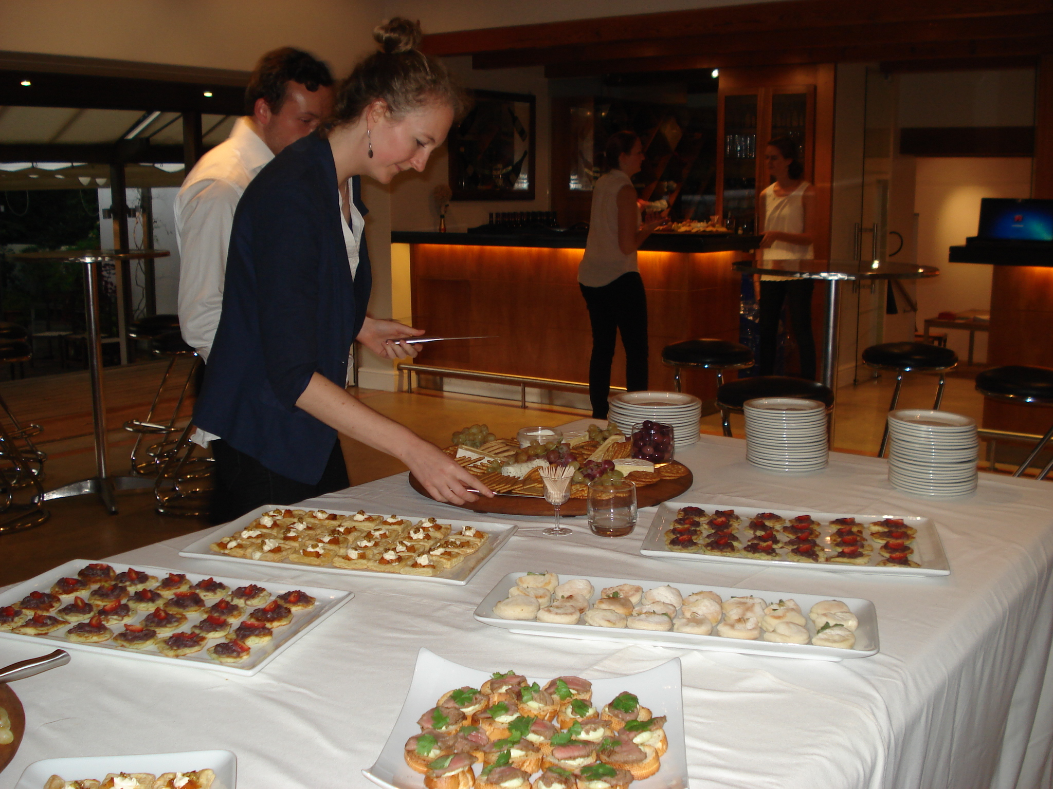 Corporate platters the food crew cape town for Canape platters cape town